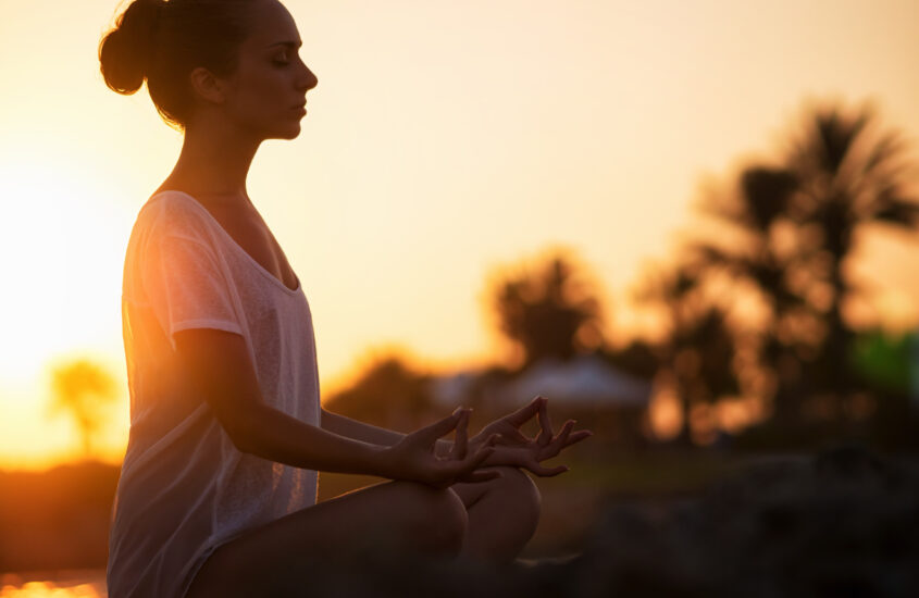 5 ways Meditation can Help Make You Productive.